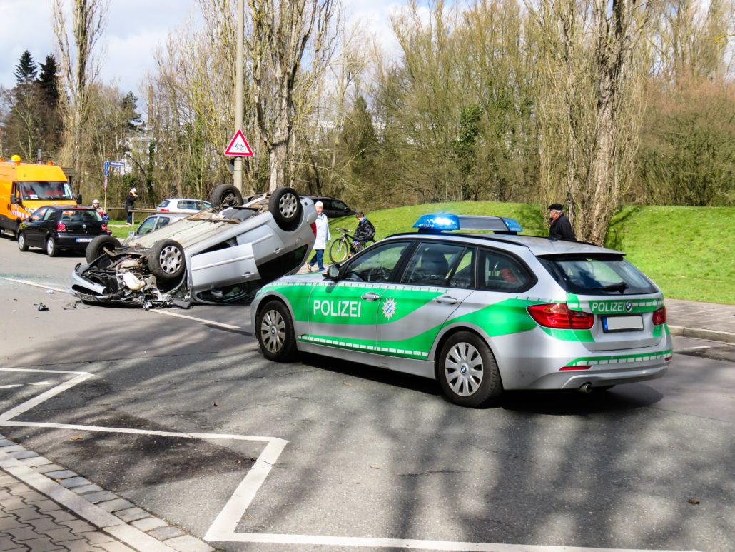 schwerer Unfall mit Polizei
